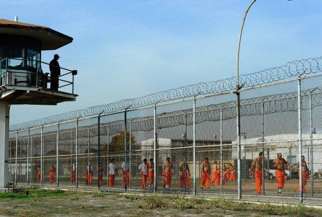Затворнически рок (Jailhouse Rock)