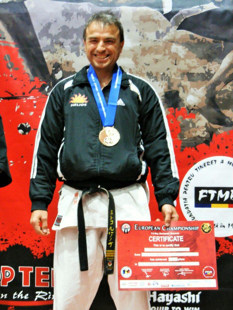 Митко Ружинов с титла от Европейско първенство по бойни изкуства на WKA