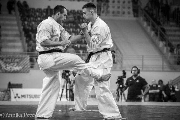 """С този ритник """"Валери кик"""" победи с Ипон (чиста победа) на последното Европейско първенство. С японска терминология: Гедан Какато гери"""