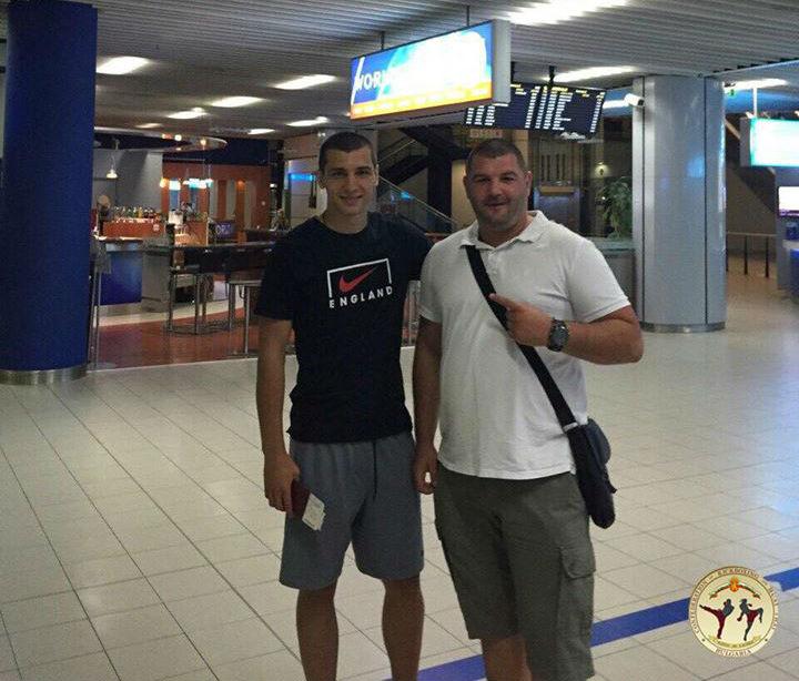 Александър и неговият треньор Красимир Колев отпътуваха рано сутринта.
